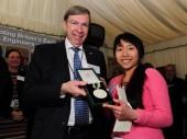 Nghiên cứu sinh người Việt giành giải thưởng ở Anh