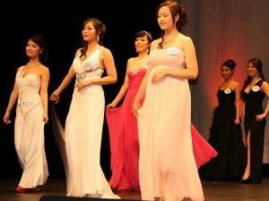 Nữ sinh 20 tuổi giành ngôi Hoa hậu Sinh viên Việt Nam tại Pháp