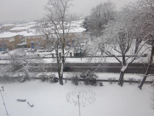 Vẻ đẹp London ngày tuyết rơi