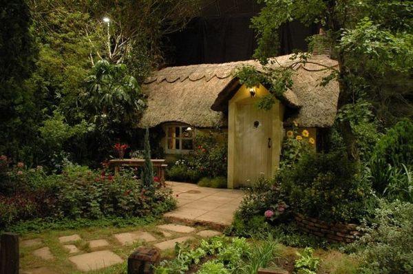 Đến thăm những túp lều nhỏ xinh như trong cổ tích