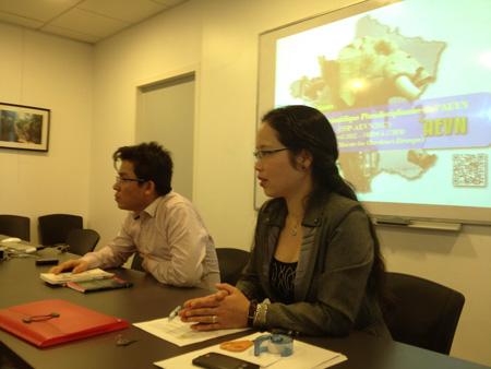 Học sinh Việt Nam ở Pháp trao đổi kinh nghiệm