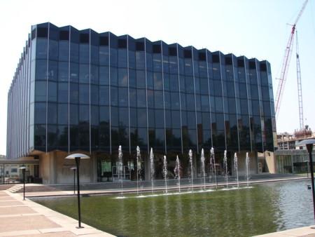 http://dantri4.vcmedia.vn/i:yT0YJzvK8t63z214dHr/Image/2012/04/UniversityofChicagoLawSchool_47aad/5-university-of-chicago.jpg