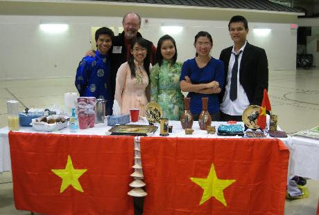 Nguyễn Trung Hiếu, chủ tịch CLB SV quốc tế và sinh viên Việt Nam tại ĐH Bates