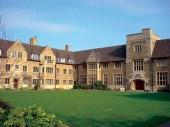 Tìm hiểu về trường Bellerbys College