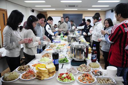Giao thừa ấm cúng cùng sinh viên Việt tại Ulsan, Hàn Quốc 3