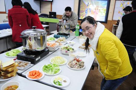 Giao thừa ấm cúng cùng sinh viên Việt tại Ulsan, Hàn Quốc 5