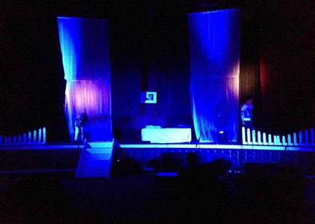 """Sân khấu hoành tráng và không kém phần chuyên nghiệp của """"Tội Ác"""""""
