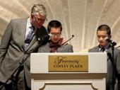 Hai anh em người Việt tại Mỹ vượt khó học giỏi
