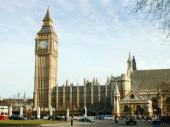 Cần trả phí y tế khi muốn cấp visa du học Anh