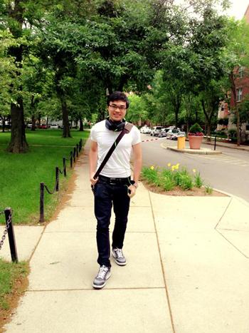 Ở gần trường nên mình thường đi bộ tới trường hàng ngày