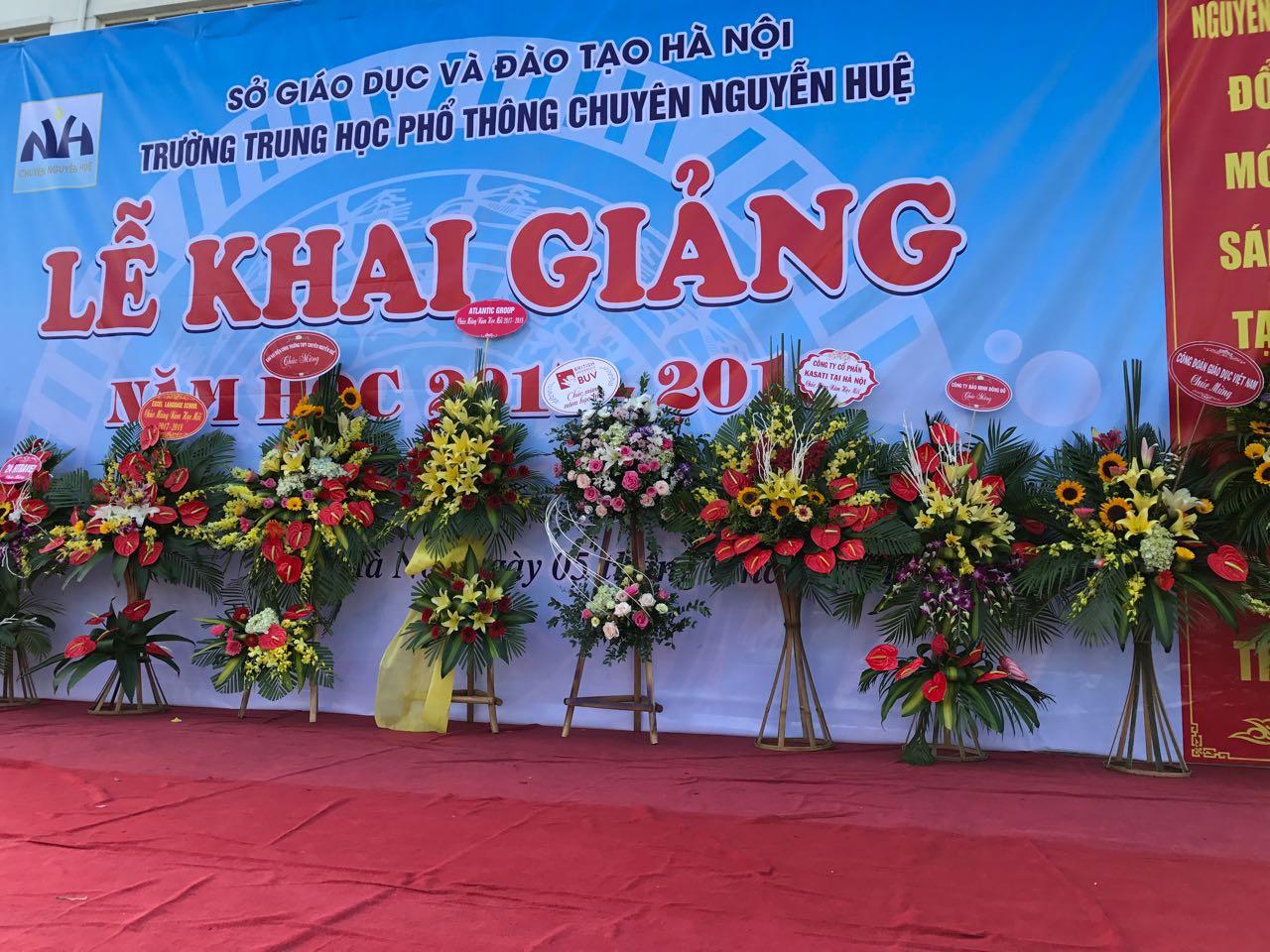 Khai giảng - Trường THPT chuyên Nguyễn Huệ