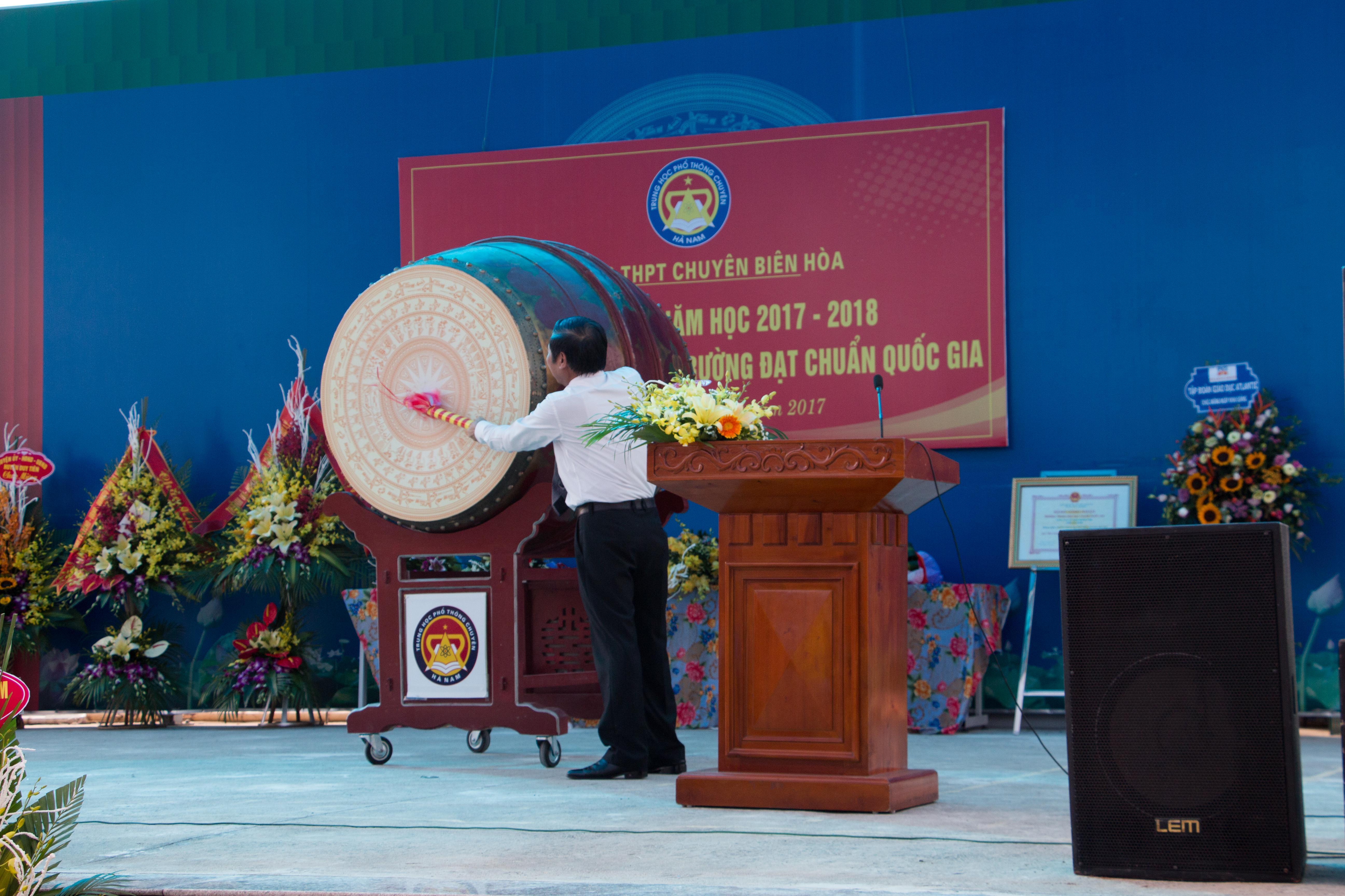 Khai giảng - TH chuyên Biên Hòa