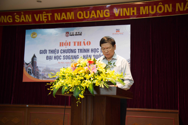 Ông Phạm Hữu Hoan – Trưởng phòng GD phổ thông – Sở Giáo dục & Đào tạo TP. Hà Nội chủ trì buổi Hội thảo