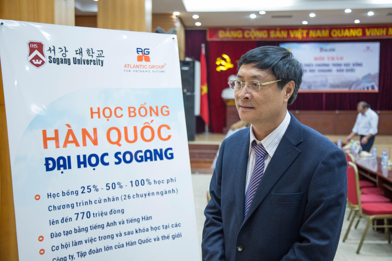 Thầy Nguyễn Quốc Bình - Hiệu trưởng trường THPT Việt Đức, Hà Nội đánh giá cao về chương trình Học bổng Sogang